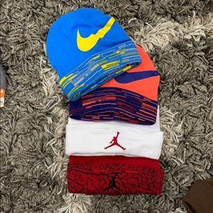 4 Nike hats
